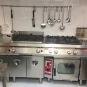 Blocco di cottura serie GAMMA con forno misto da incasso