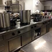 Particolare delle cucine gas a fuochi aperti con grande potenza (Kw. 14 o 21 per ogni fuoco)